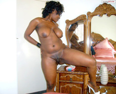 Lonely ebony moms homebodies send nude..