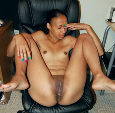 One sexy ebony housewife spreads..